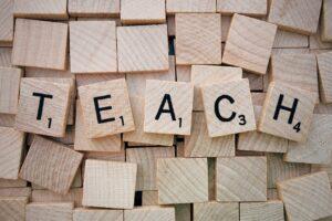 Teach Word Scrabble Letters Wooden  - Wokandapix / Pixabay